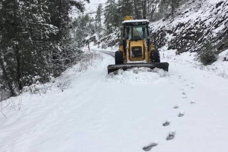 Bursa Orhaneli Belediyesi ekiplerinden kar seferberliği