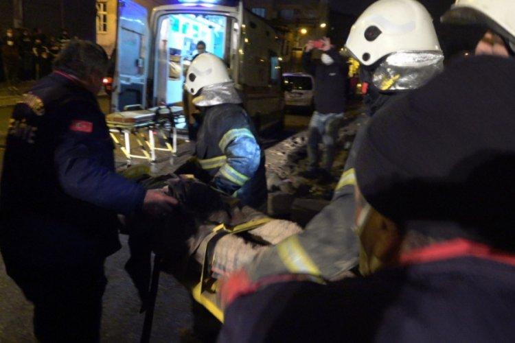 Gaziantep'te metruk bina çöktü