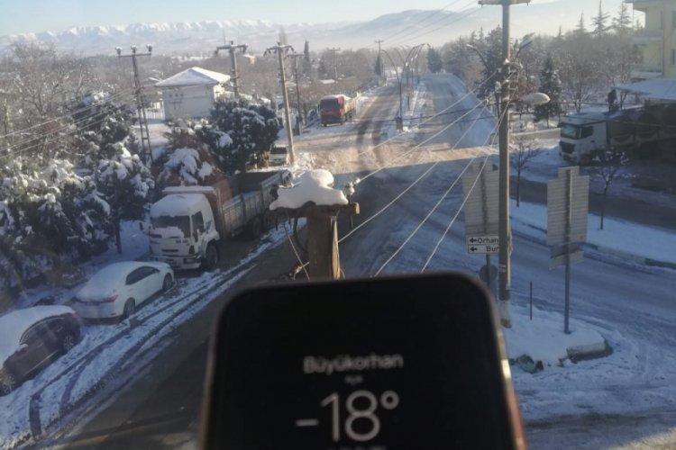 Bursa buz tuttu, Büyükorhan'datermometreler eksi 18'i gördü