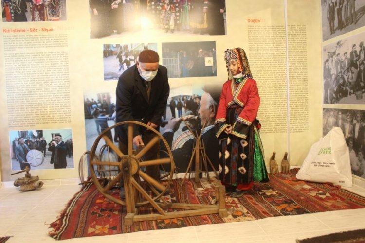 Bursa'da kendi aralarında para toplayıp köye müze kurdular