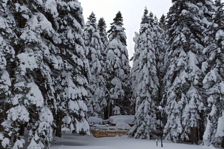 Bursa Uludağ'da kar kalınlığı 1 metreye ulaştı