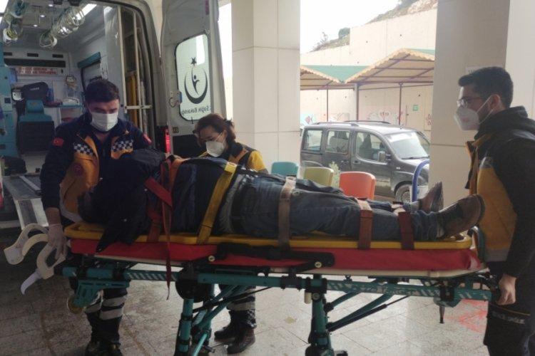 Bursa Orhangazi'de çatıdan düşen kişi yaralandı