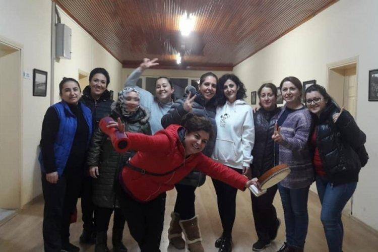 Bursa Orhangazi Halk Dansları Topluluğu'ndan Kadınlar Günü'ne özel klip
