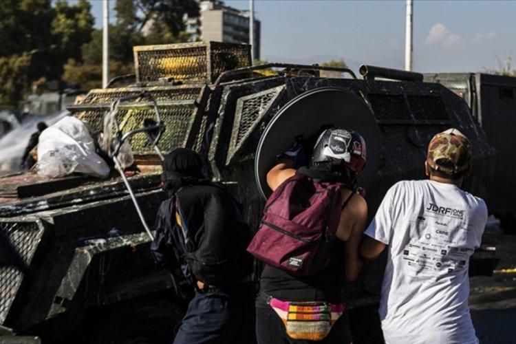 Meksika'da 8 Mart Dünya Kadınlar Günü yürüyüşünde 15'i kadın polis 19 kişi yaralandı