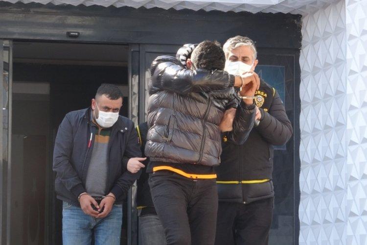 Bursa'da bir kadının sokakta darbedilmesine ilişkin yakalanan 2 kişi serbest bırakıldı