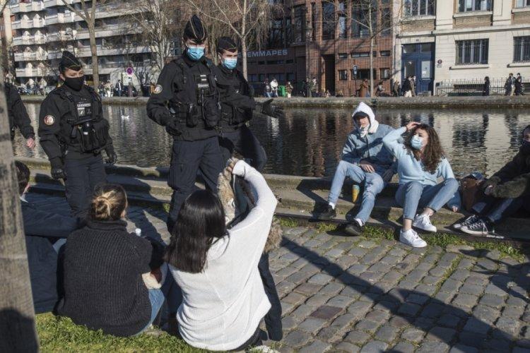 Fransa'da son 24 saatte 23 bin 302 vaka