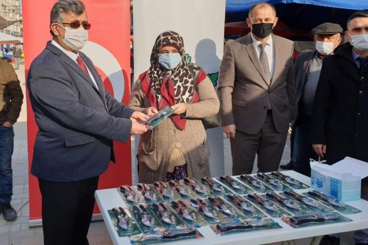 Bursa'da çiftçilere budama makası