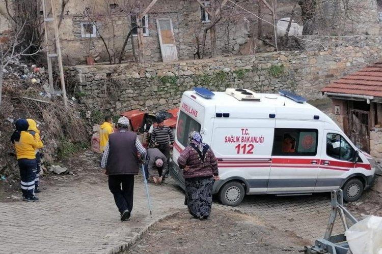Bursa Keles'te korona hastasını almaya giden ambulans kaza yaptı