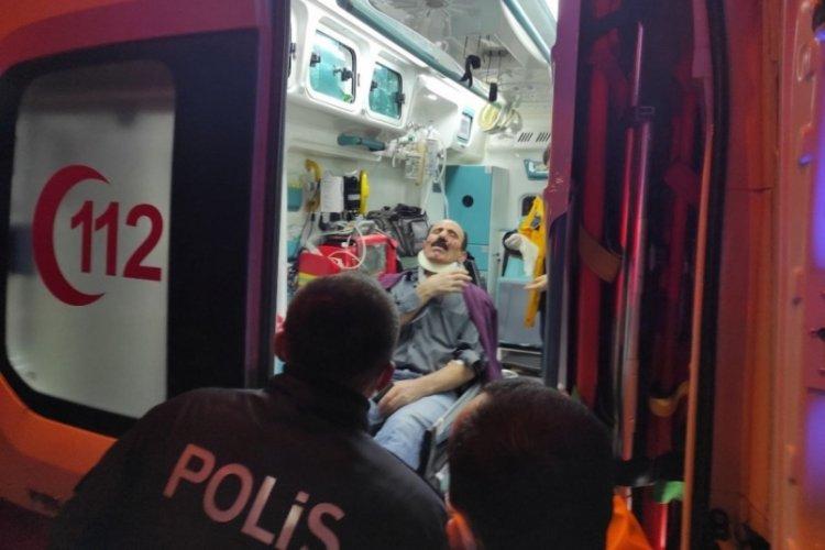 Bursa Kestel'de kamyonetle çarpışan otomobil sürücüsü yaralandı