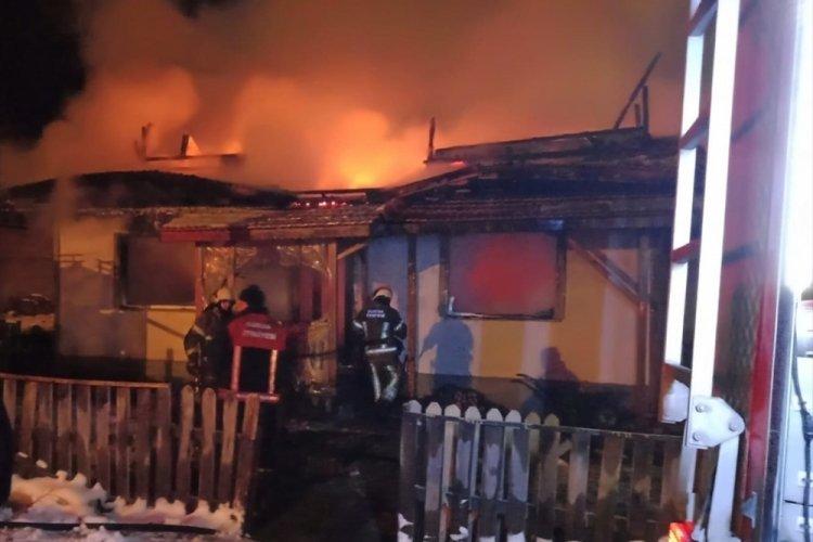 Bursa İnegöl'de ev yangını