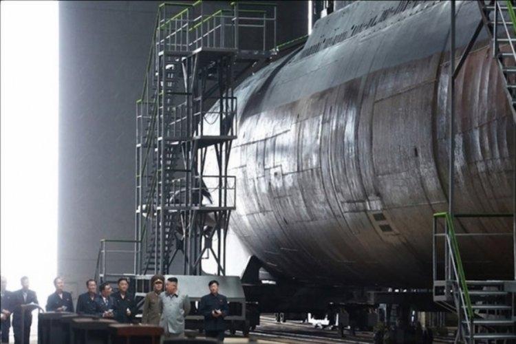 Kuzey Kore, balistik füze denizaltısının montajını bitirdi
