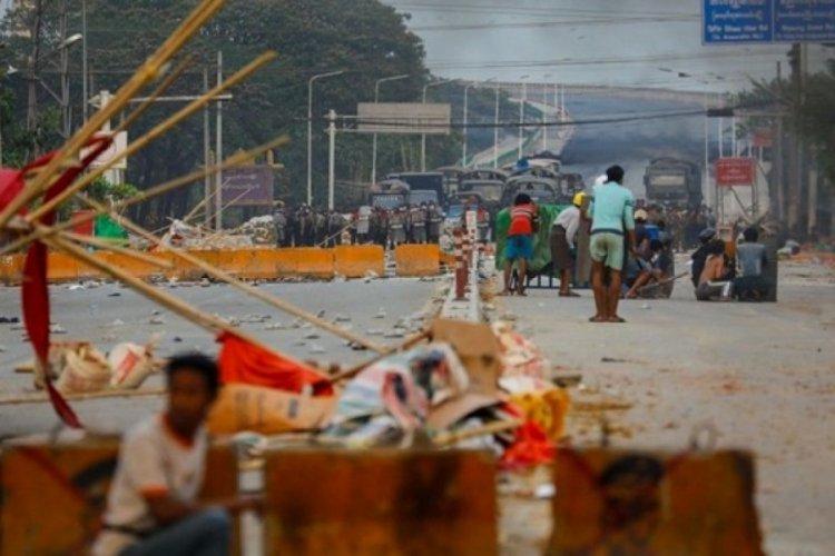 Myanmar'da askeri yönetim, 6 kişiye idam cezası verdi