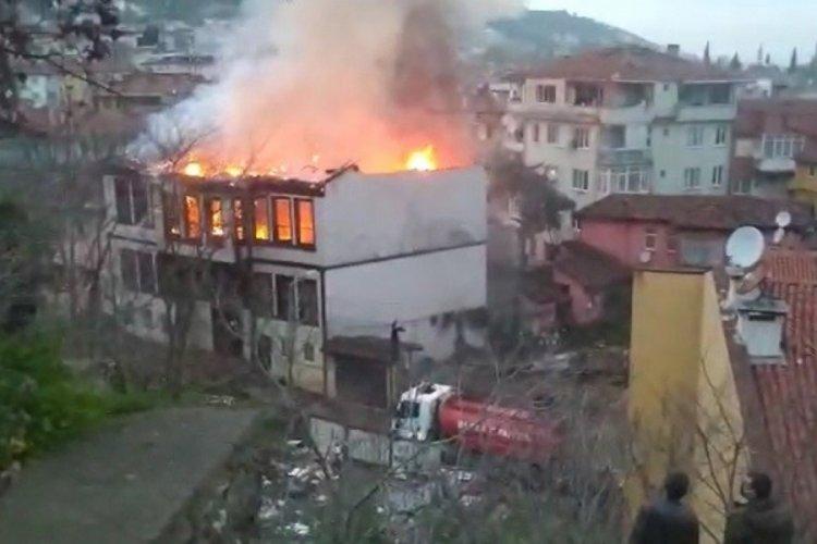 Bursa'da son iki aydır tarihi binalar bir bir yanıyor!