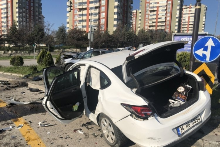 Ankara'da korkunç kaza: 3'ü çocuk 7 yaralı