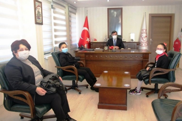 Bursa İl Milli Eğitim Müdürü Sabahattin Dülger, öğrencileri ağırladı