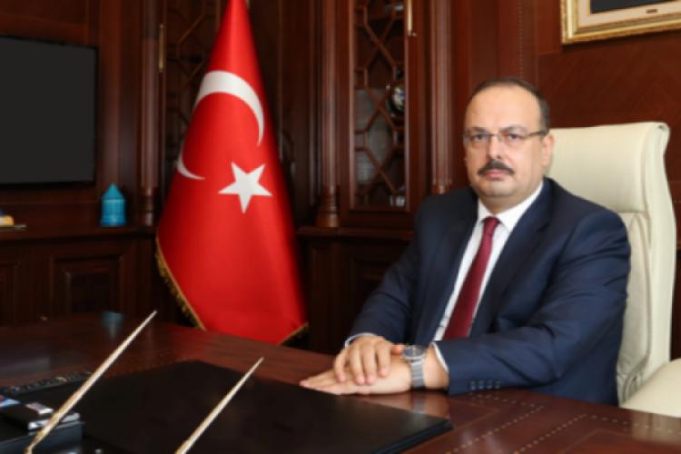 Bursa Valisi Canbolat'tan '23 Nisan Ulusal Egemenlik ve Çocuk Bayramı' mesajı