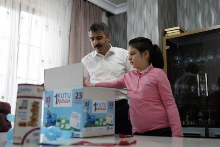 Bursa'da kanser hastası çocuklara kutu kutu mutluluk