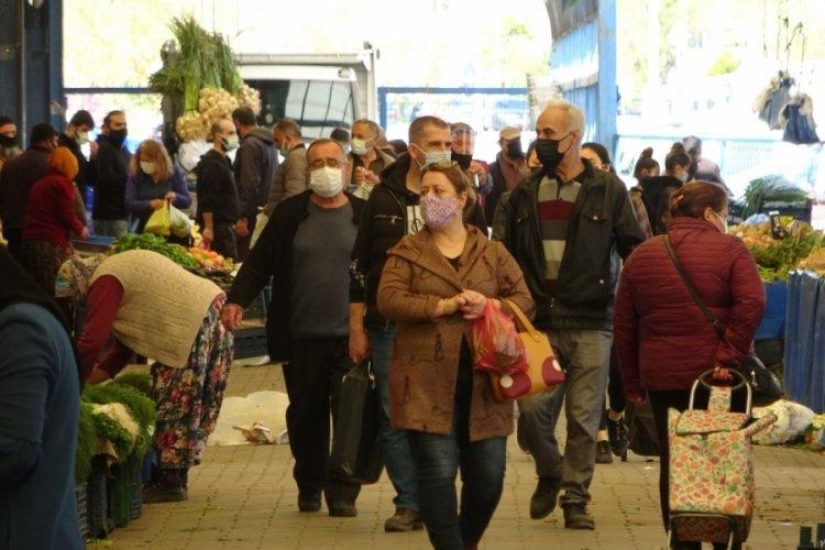Vaka sayılarında birinci olan Çanakkale'de halk pazarında kurallar hiçe sayıldı