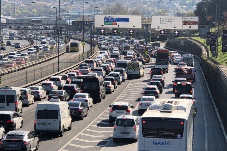 Kısıtlama öncesi İstanbul'da trafik yoğunluğu yüzde 74'e çıktı