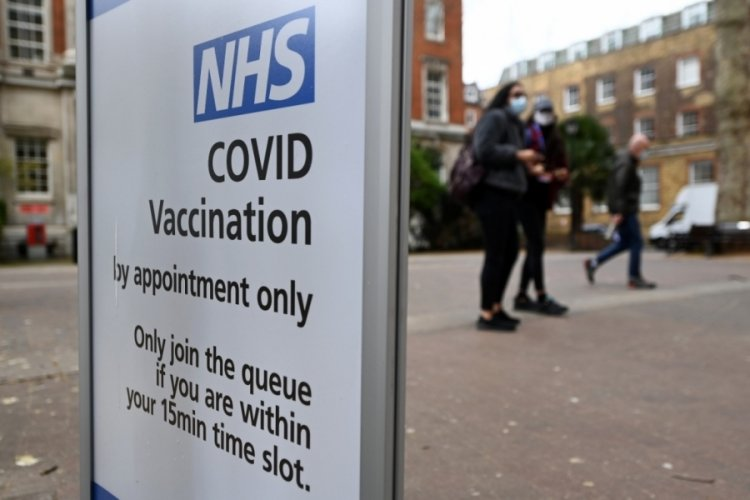 İngiltere'de AstraZeneca aşısı olan 168 kişide kan pıhtılaşması görüldü
