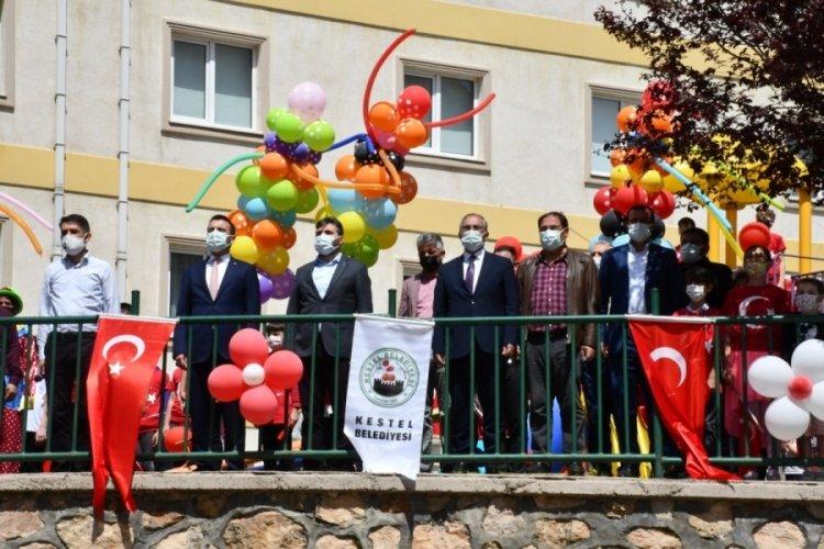 Bursa Kestel'de çocuklara 'Bayram' sürprizi
