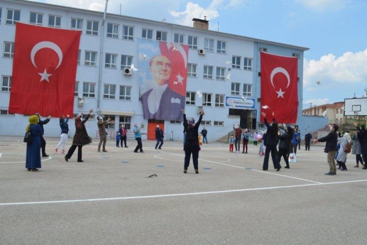 Bursa Kestel Yenimahalle İlkokulu'nda 23 Nisan kutlaması
