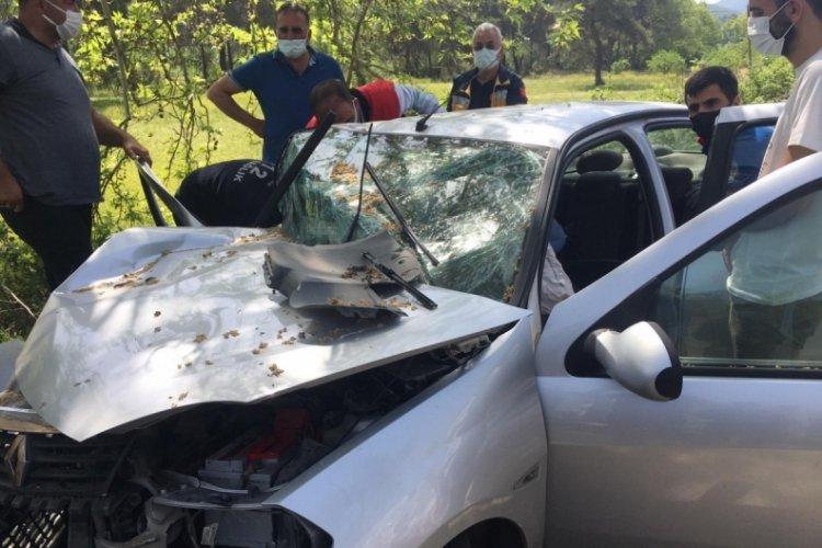 Ablasının cenazesine giderken kazada yaralandı, eşi kurtarılamadı