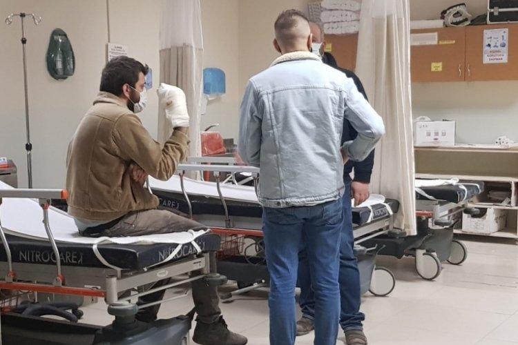 Bursa'da elini yatar testere makinesine kaptıran işçinin parmakları koptu
