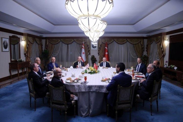 Fuat Oktay ve Ersin Tatar, iftar yemeğinde buluştu