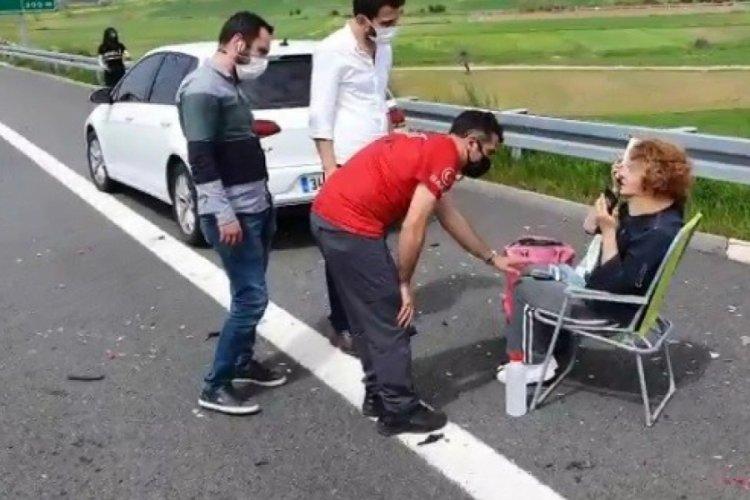 Bursa'da otobanda kaza yapan kadının imdadına arama kurtarma ekibi yetişti