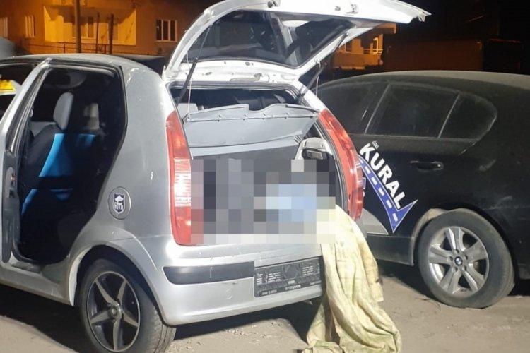 Bursa'da park halindeki aracın bagajında ceset bulundu