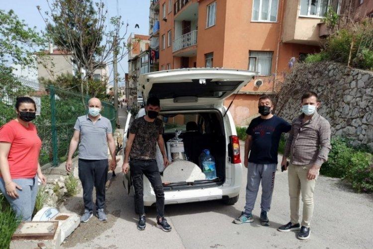 Bursa'da Mudanyalı gençler sokak hayvanlarını unutmadı