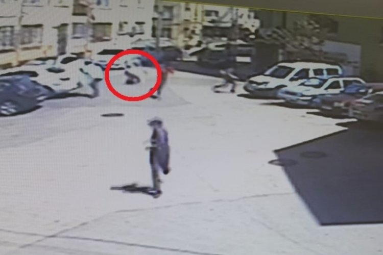 Bursa'da kısıtlamada dışarı çıkan arkadaş grubuna silahlı saldırı: 2 yaralı