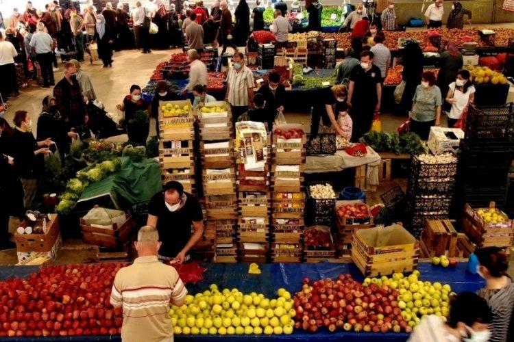 Bursa'da vatandaşlar pazarlara koştu! Marketler fiyatları indirdi