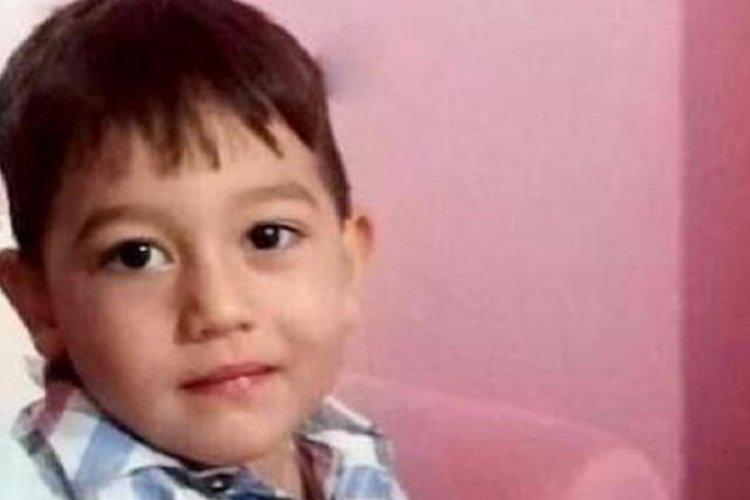 3 yaşındaki çocuk, briketlerin altında kalarak hayatını kaybetti