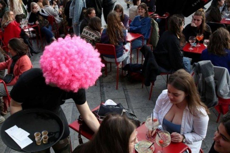 Belçika'da kafe ve barlar yeniden açıldı