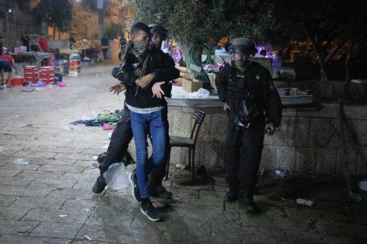 İsrail polisi Doğu Kudüs'ün Şam Kapısı'nda Filistinlilere müdahale etti