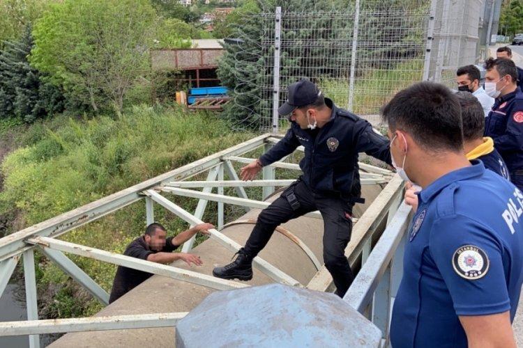 İntihar teşebbüsünde bulunan şahsı polis ikna etti