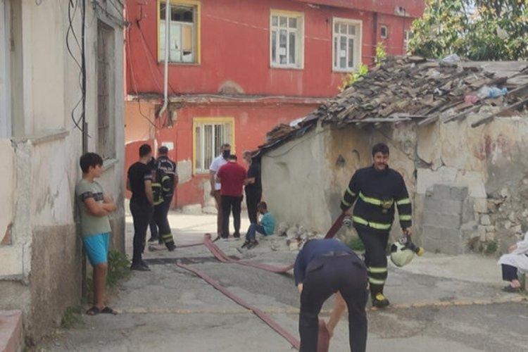 Annesiyle tartıştıktan sonra odayı ateşe veren kişi öldü