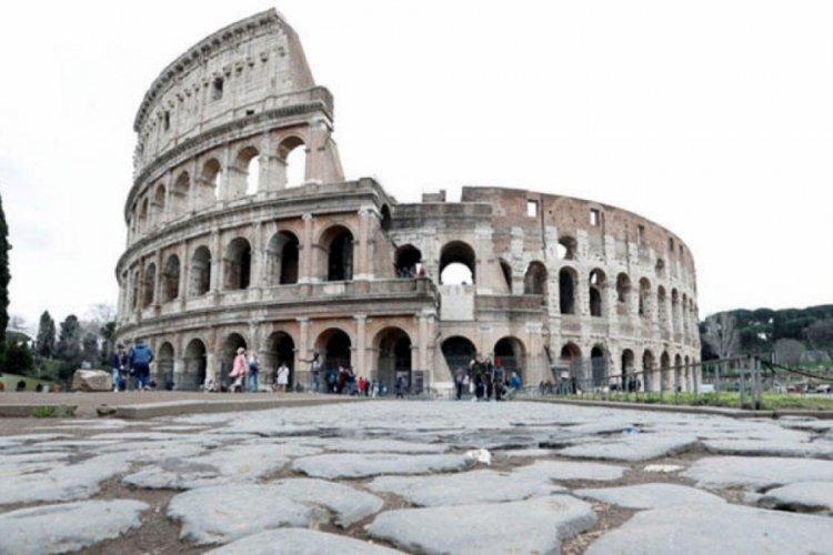 İtalya'da son 24 saatte 8 bin 292 yeni vaka