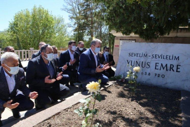 BBP Lideri Destici, Yunus Emre'nin kabrini ziyaret etti