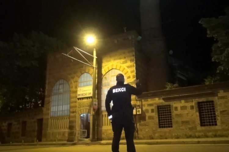 Bursa'da tarihi İbni Bezzaz camisinde hırsızlık alarmı
