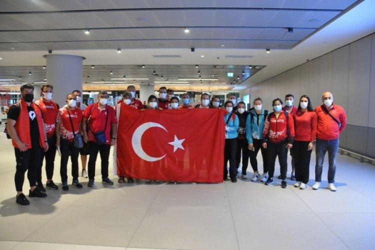 Hırvatistan'da tarihi başarı elde eden milli atletler yurda döndü