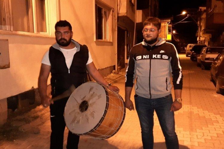 Bursa'da koronavirüs, Ramazan davulcularının manilerine de yansıdı