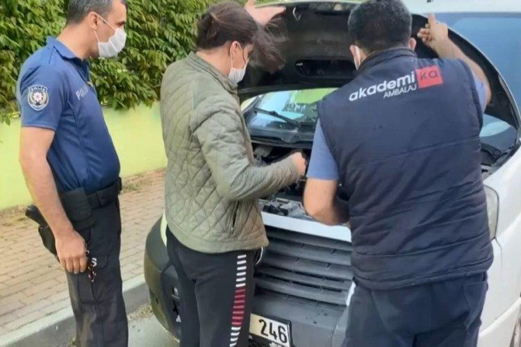 Bursa'da aracın motoruna giren yavru kedi mahalleliyi seferber etti