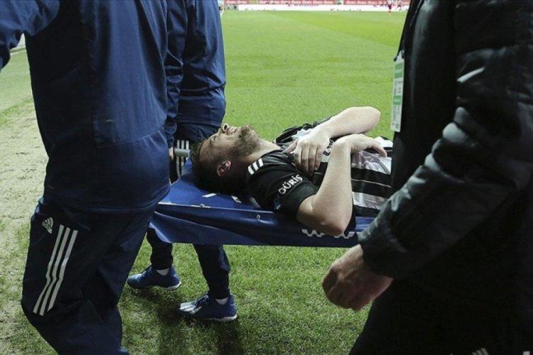 Beşiktaşlı futbolcu Adem Ljajic'in omzunun çıktığı açıklandı