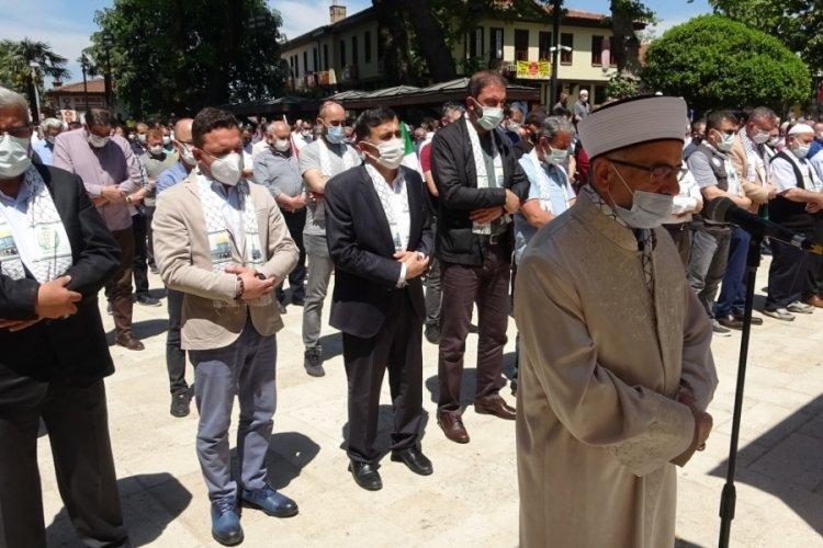 Bursa'da İsrail'in saldırılarında şehit olan Filistinliler için gıyabi cenaze namazı kılındı