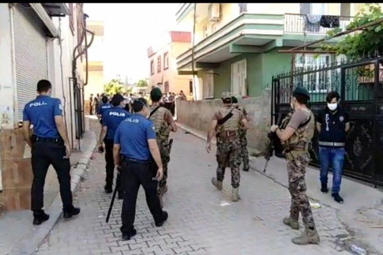 Çocukların kavgasına aileler de karıştı, 1 polis yaralandı