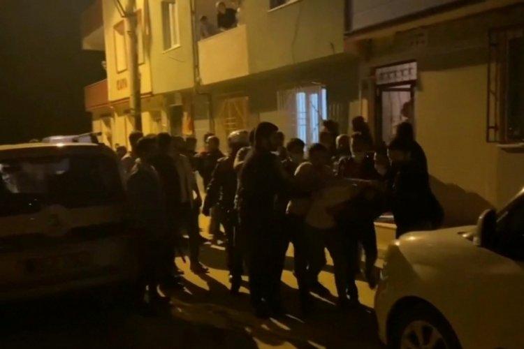 Bursa'da hareketli dakikalar: Kısıtlamaya uymayıp kendilerini uyaran polislere saldırdılar
