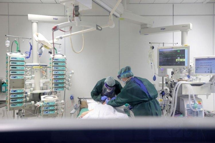 Almanya'da son 24 saatte korona virüsten 278 ölüm